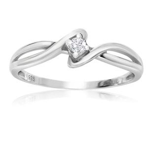 1/10ct Twisted Diamond Promise Ring